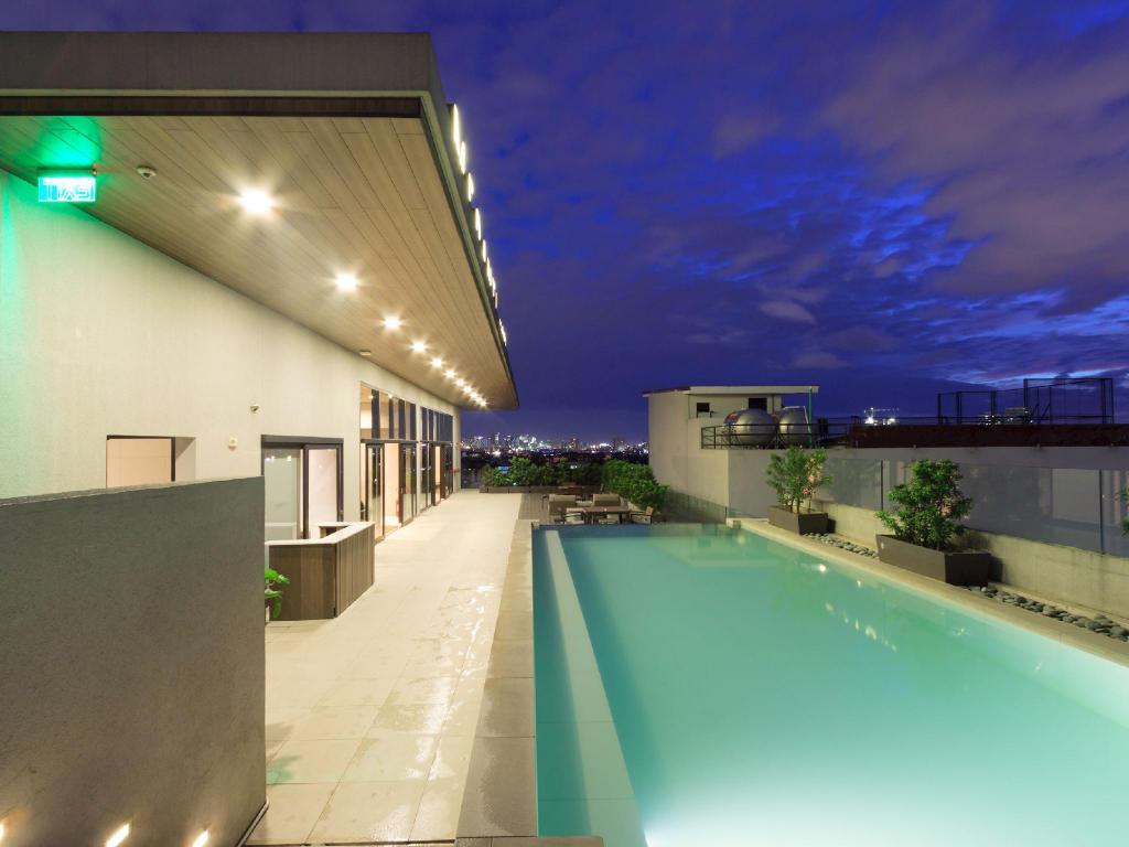meranti hotel quezon city